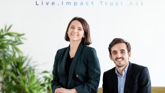 I due co-fondatori di LITA.co, Eva e Julien, nell'ufficio parigino